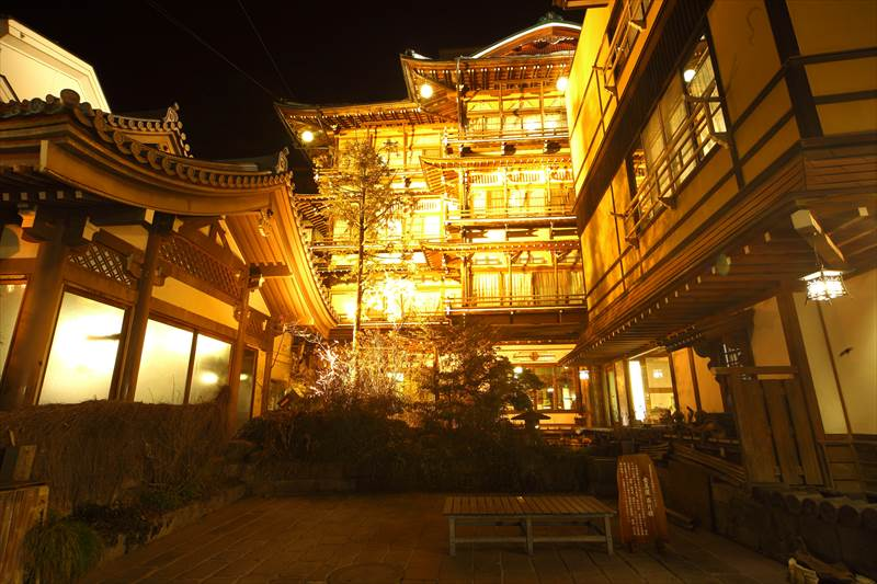 長野県 渋温泉 金具屋