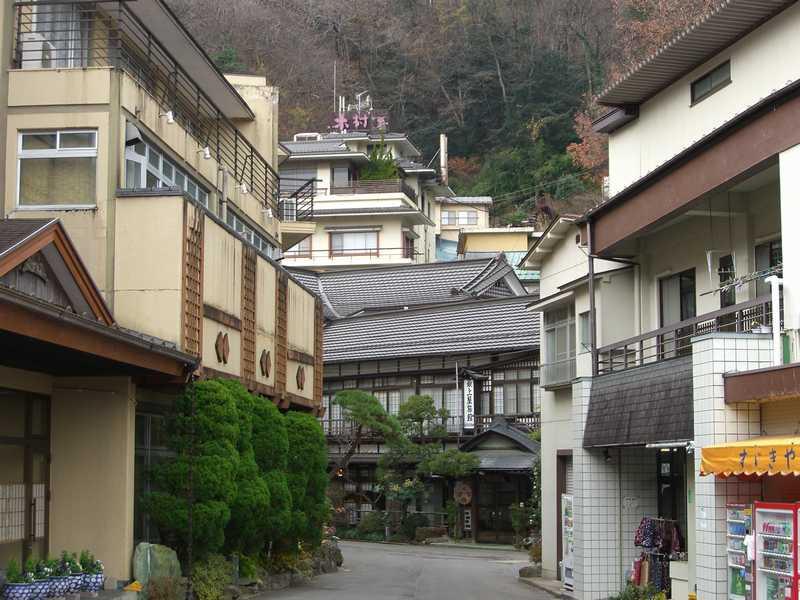 鎌先温泉街の風景