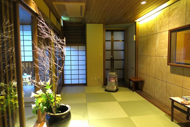 鎌先温泉 時音の宿 湯主 一條の入口