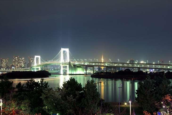 お台場レインボーブリッジの夜景