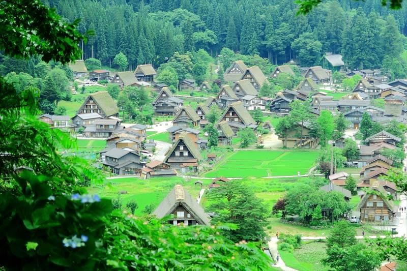 白川郷 荻町城跡展望台からの風景