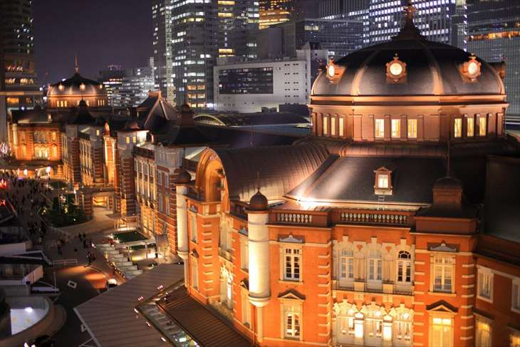 KITTEから見た東京駅 丸の内駅舎の夜景