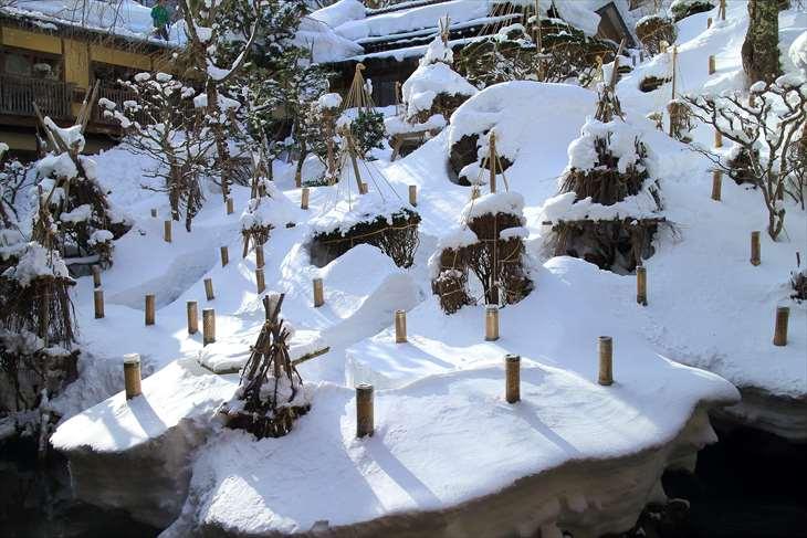 会津東山温泉 向瀧  中庭