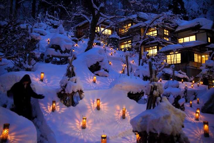 会津東山温泉 向瀧 雪見ろうそく