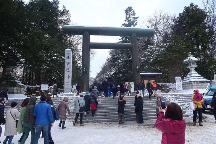 北海道神宮 初詣の様子 第二鳥居