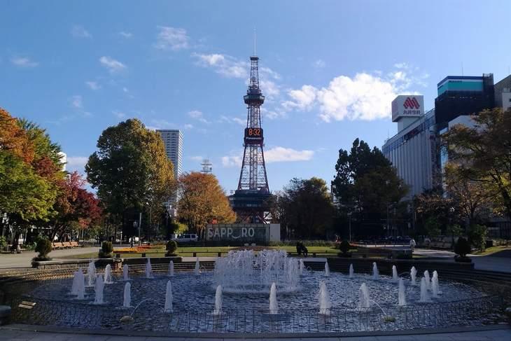 2017年10月の札幌 大通公園とさっぽろテレビ塔