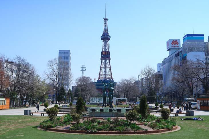 2018年4月の札幌 大通公園とさっぽろテレビ塔
