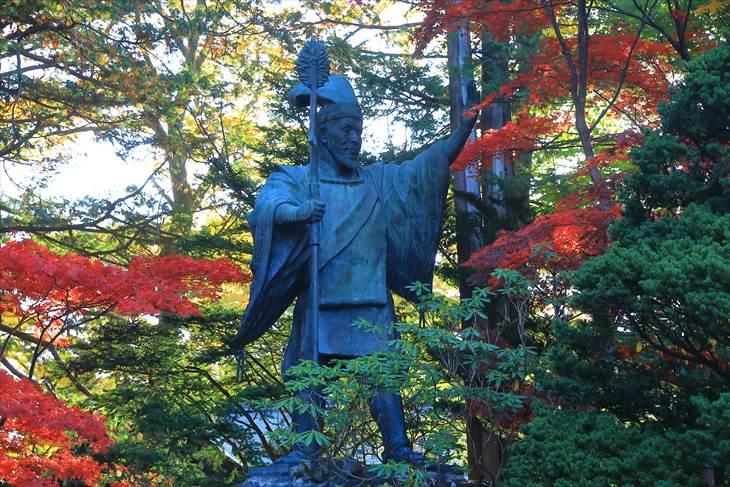 北海道神宮 島判官像