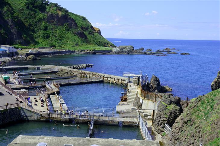 小樽市鰊御殿から見たおたる水族館