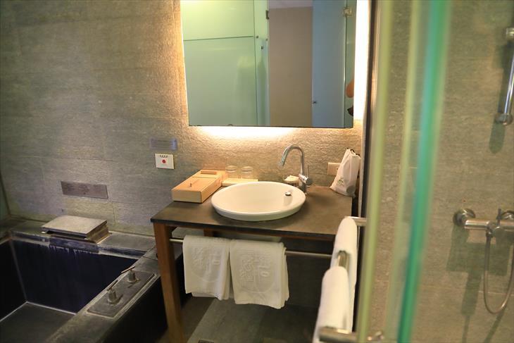 ポーズ ランディス リゾート ウーライの部屋の洗面台