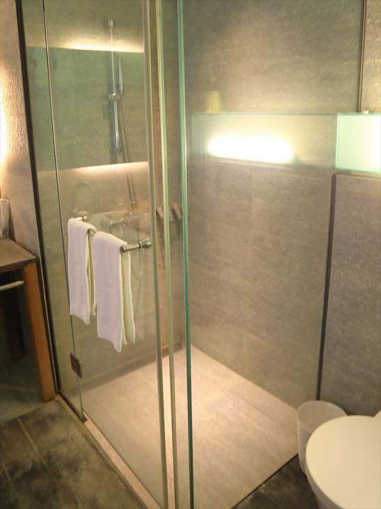 ポーズ ランディス リゾート ウーライのシャワールーム
