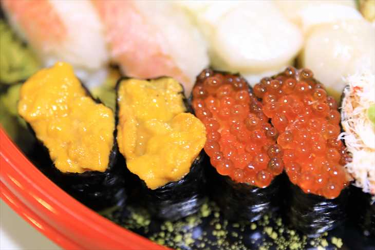 お寿司 ウニといくら