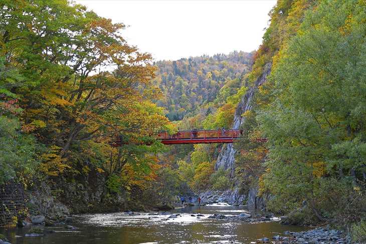 定山渓 二見吊橋と紅葉