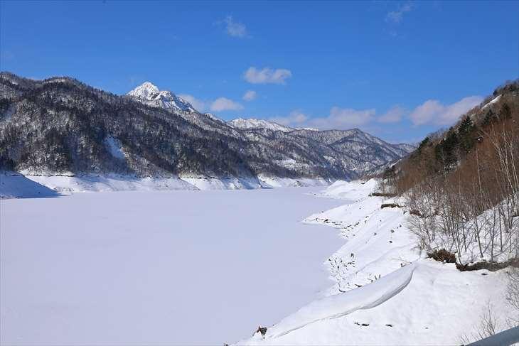 さっぽろ湖と雪景色