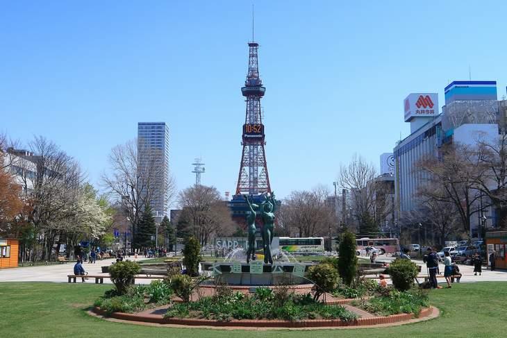 2019年4月の大通公園とさっぽろテレビ塔