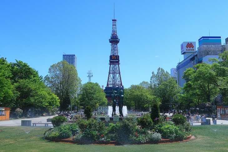 2019年5月の大通公園とさっぽろテレビ塔