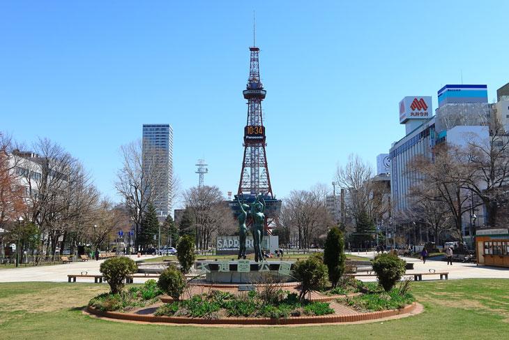 2020年4月の大通公園とさっぽろテレビ塔